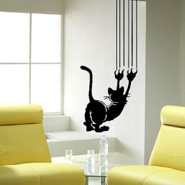 Трафаретный рисунок — кот, обдирающий обои, наверное, у любого всегда вызовет улыбку.