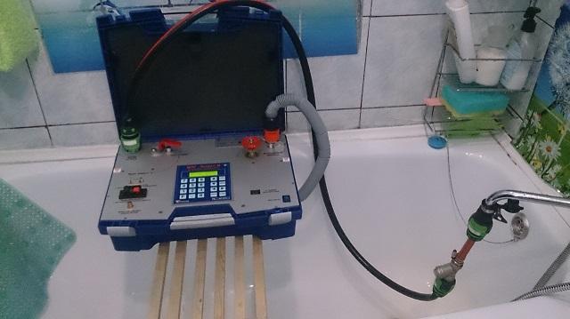 Проведение поверки счетчиков воды.