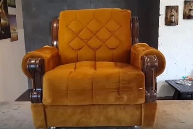 Кресло, которому будет «возвращена молодость»
