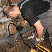 Чем прочистить канализационные трубы в частном доме