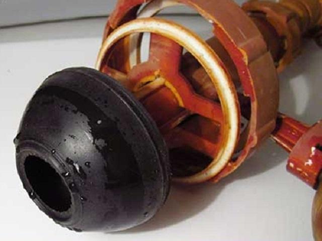 Сливной клапан с резиновой грушей.