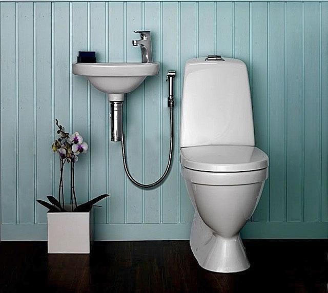 Гигиенический душ для унитаза со смесителем.