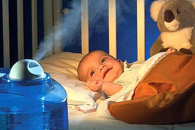 Уровнем относительной влажности воздуха в комнате маленького ребёнка требует особого контроля.