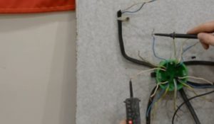Шаг 4 – прозвонка проводов в коробке