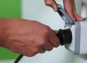 Шаг 7 – подключение к электричеству (розетку лучше взять защищенную от воды)