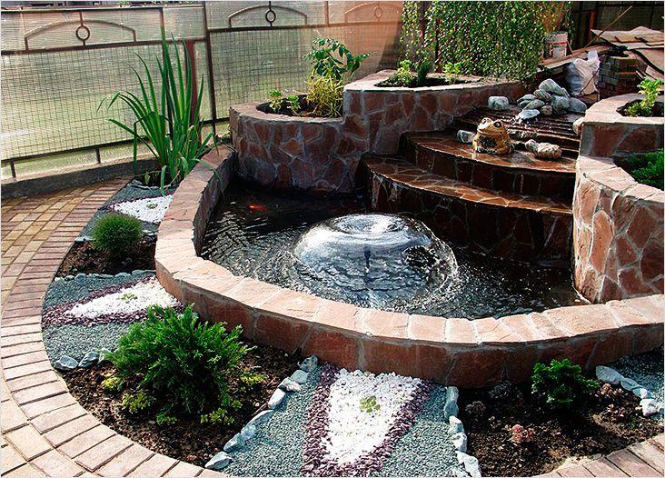 Декоративный фонтан должен располагаться на видном месте