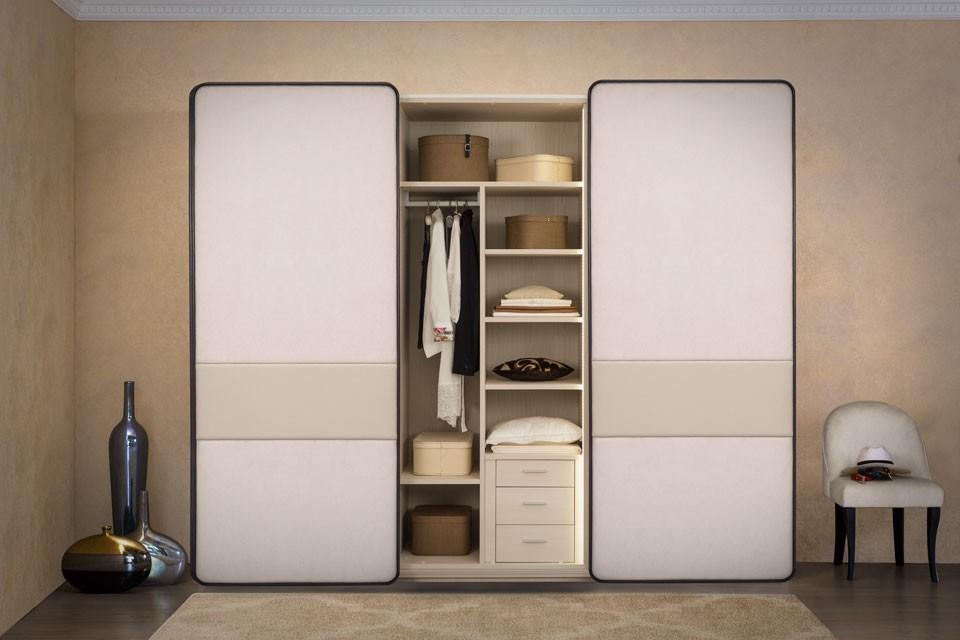 Модульная система хранения собирается из разных, продающихся отдельно элементов мебели