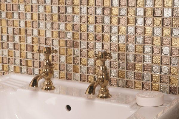 Стеклянная мозаика с металлизированным основанием
