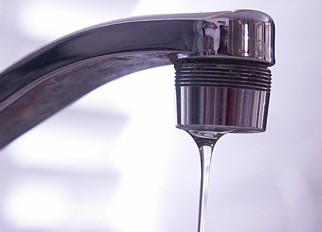 Как отремонтировать текущий смеситель в ванной
