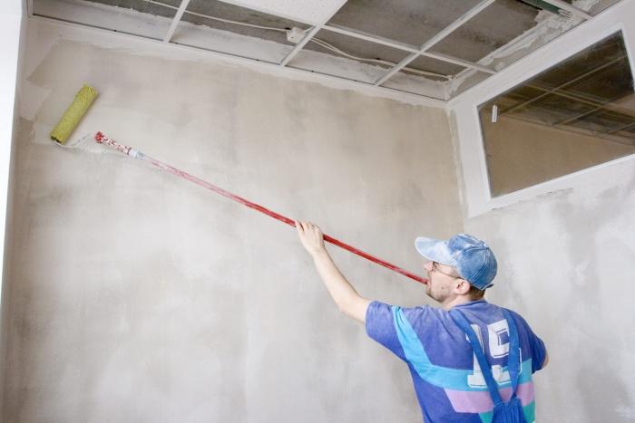 Подготовка стен под жидкие обои - это очень просто, с этим сможет справится любой, даже совершенно не имеющий опыта в отделочных работах
