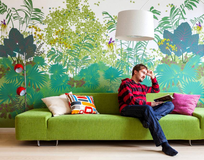 Создать яркий акцент в комнате можно посредством оформления одной стены обоями, которые будут выделяться расцветкой
