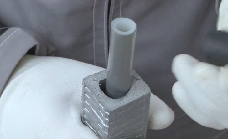 Теплоизоляция отодвинута на 2 длины гильзы