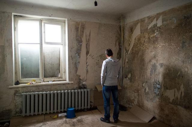 Обычное дело: задумал только утепление, но оно тянет за собой отделку, та «цепляет» выравнивание стен и потолка и так далее. В итоге – получите полновесный ремонт со всеми его «прелестями».