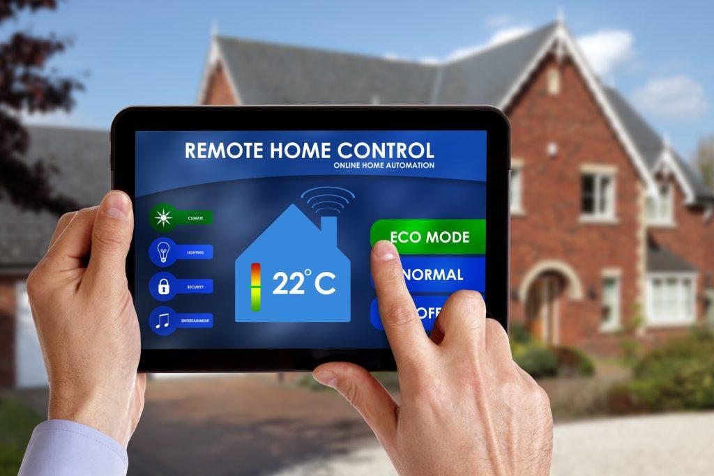 Пользователь gsm модуля при смене погоды может удалённо менять температуру воздуха во всём доме, используя специальное приложение на планшете (телефоне)