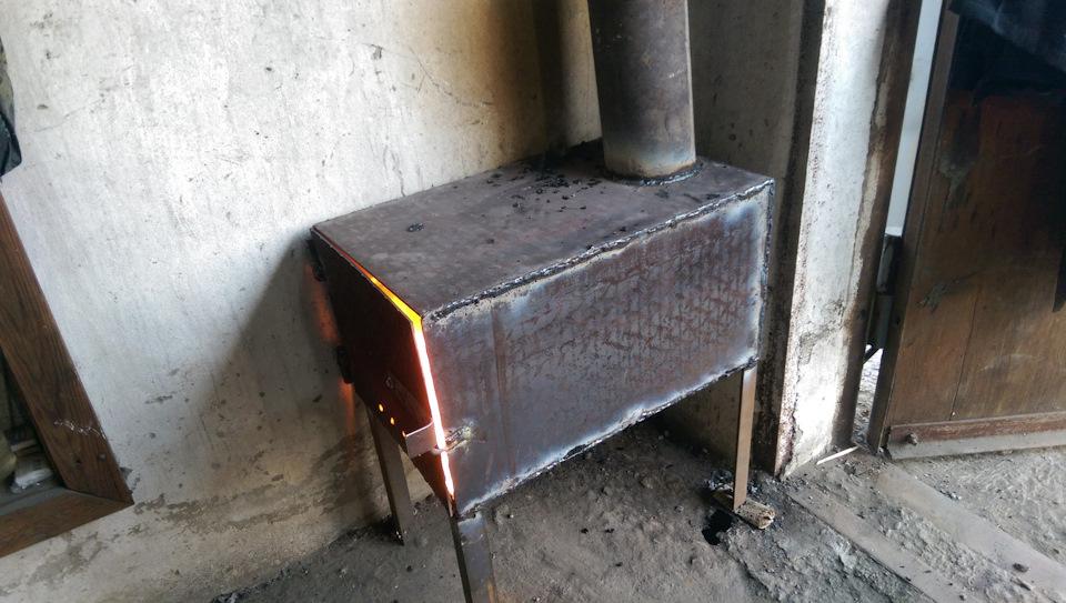 Печь позволяет создать в гараже оптимальные температурные условия