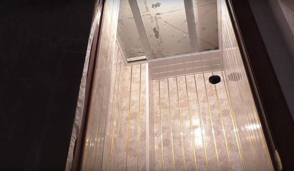Теперь можно приступать к отделке потолка
