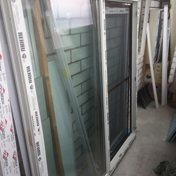 Чтобы сэкономить, можно приобрести «отказные» окна