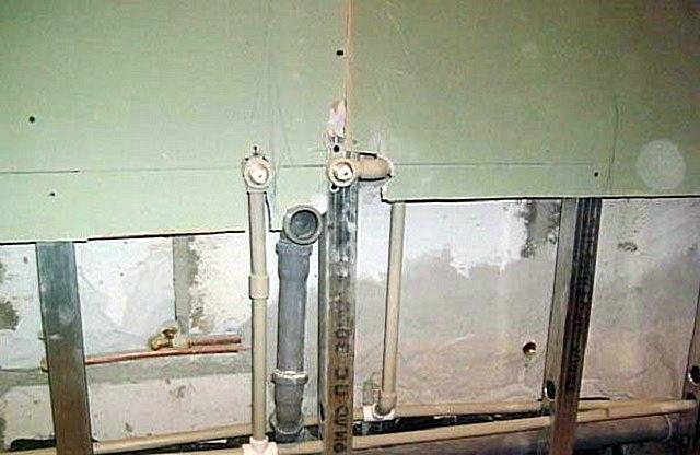 Обшивка стен в ванной гипсокартоном каркасным способом