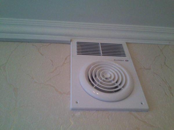 Вытяжной вентканал с вентилятором