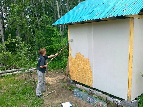 В первую очередь стоит перекрасить фасад будущего дома
