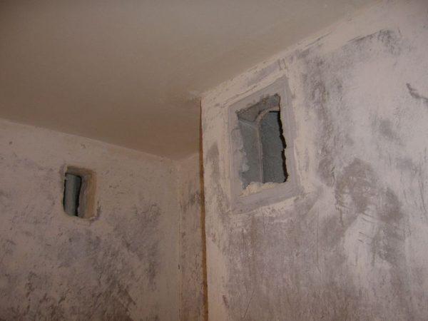 Даже в старых домах предусмотрены вентиляционные колодцы