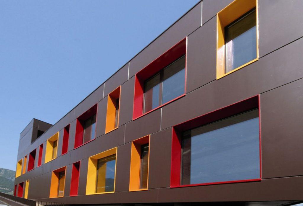 Сэндвич-панели для фасадов офисного здания
