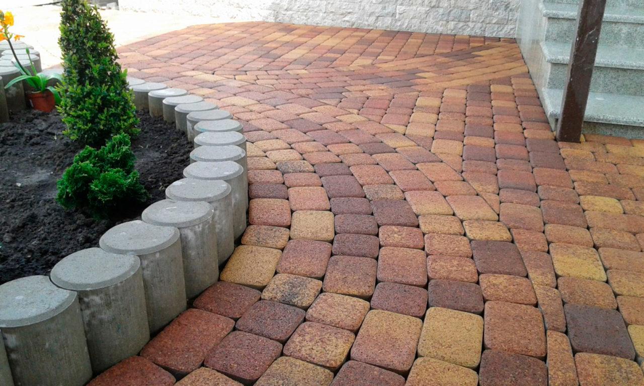 Варианты укладки тротуарной плитки — фото и способы укладки