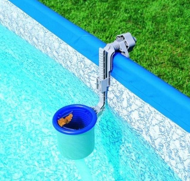 Скиммер используется для разных типов открытых бассейнов