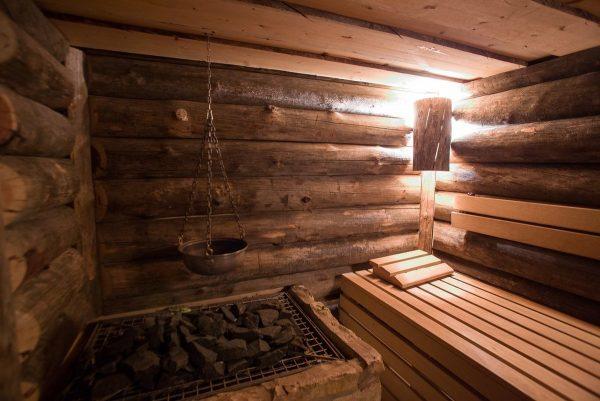Интерьер бревенчатой бани