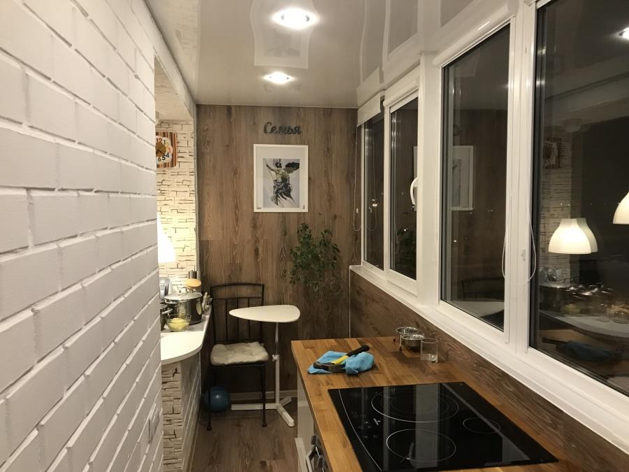 На балконе можно обустроить даже кухню