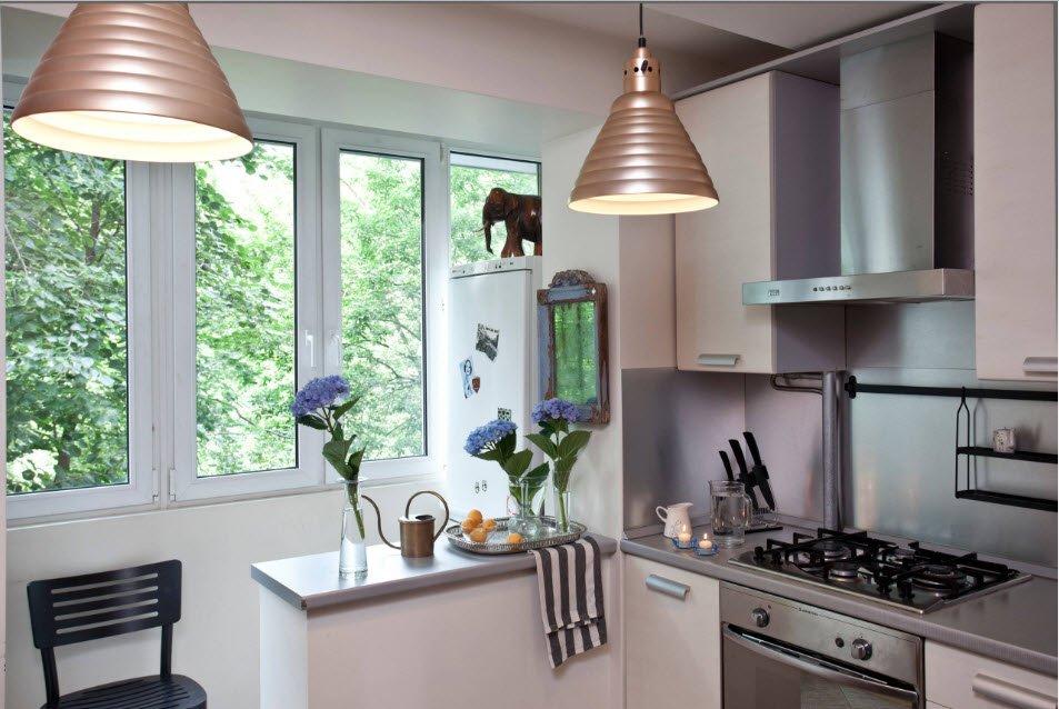 Здесь балкон просто продолжает кухню