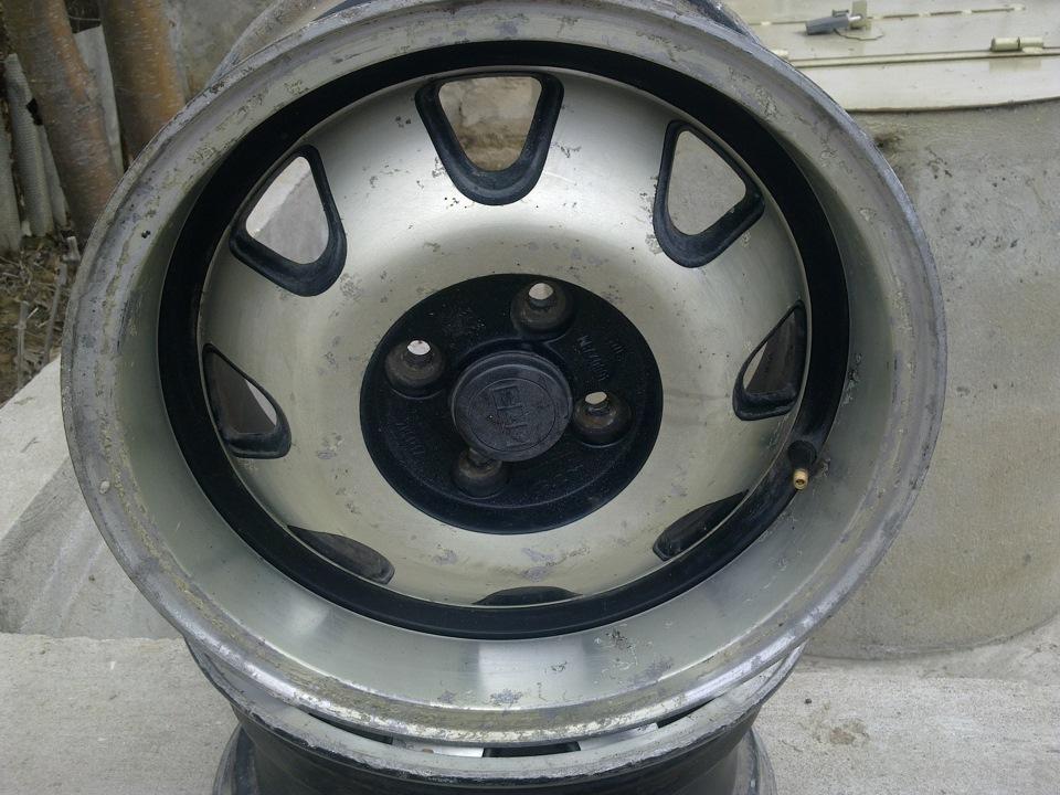 Старые колесные диски есть в каждом гараже