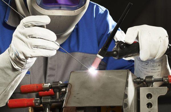 Алюминий можно варить только при воздействии высоких электрических разрядов