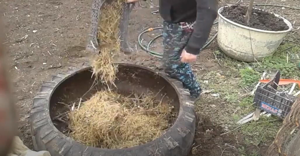 Укладываем сено или солому