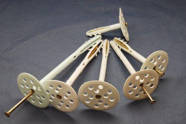 """Дюбеля-""""грибки"""" для крепления пенопластовых блоков"""