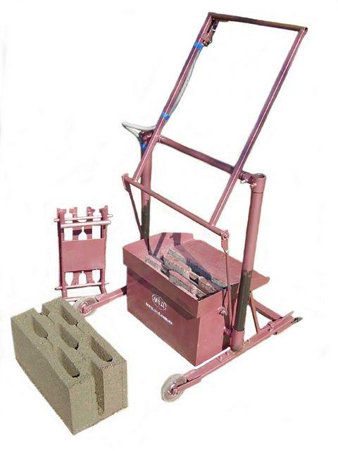 Установка для формовки пустотелых блоков