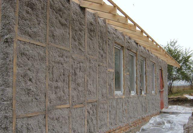 Еще один метод термоизоляции стен - напыление эковаты