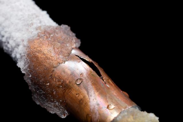 Замерзание труб чревато серьезными авариями