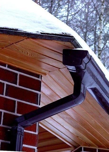 Оцинкованные водосточные системы могут иметь защитное и декоративное полимерное покрытие