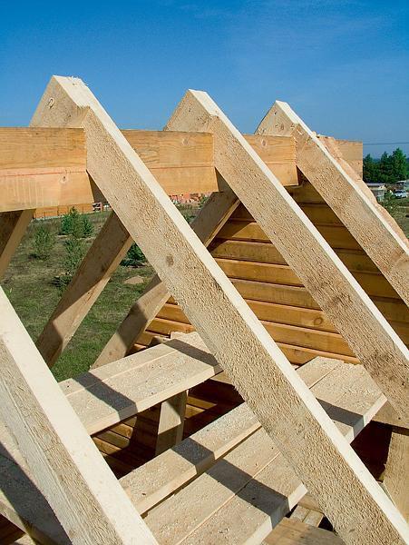 Возводите двускатную крышу