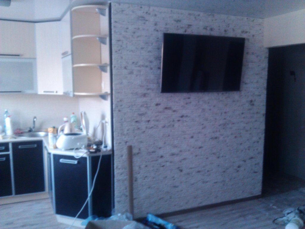 Как отделать стену декоративной плиткой