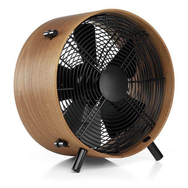 Часто для принудительной циркуляции воздуха в погребе  используют обычные вентиляторы
