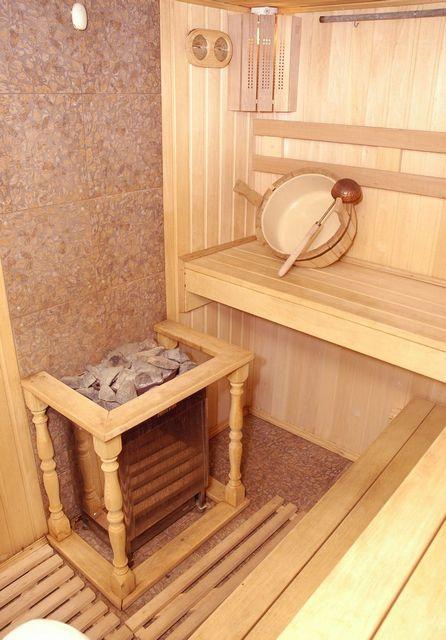 Сауна предполагает использование горячего сухого пара