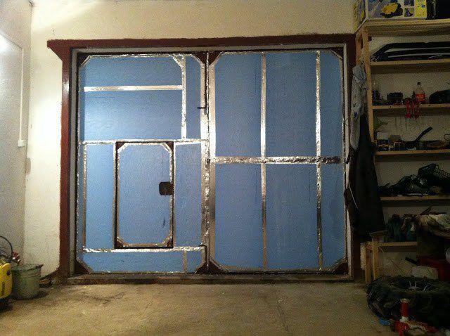 Как утеплить ворота гаража изнутри