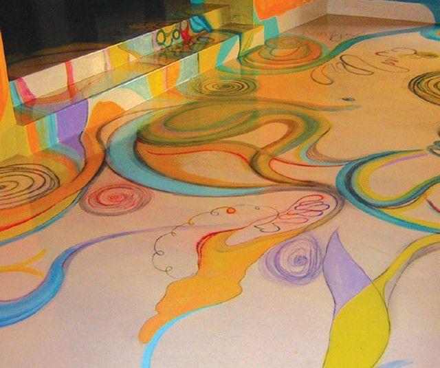 Некоторым по вкусу придутся самостоятельно нарисованные орнаменты, к нанесению которых даже можно привлечь детей