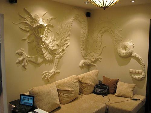 Из чего сделать барельеф на стене
