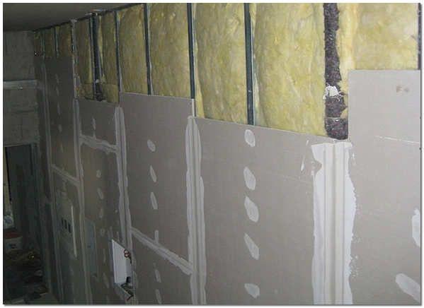 Звукоизоляция стен минеральной ватой и гипсокартоном