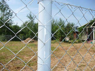 Металлические столбы для сетки рабица