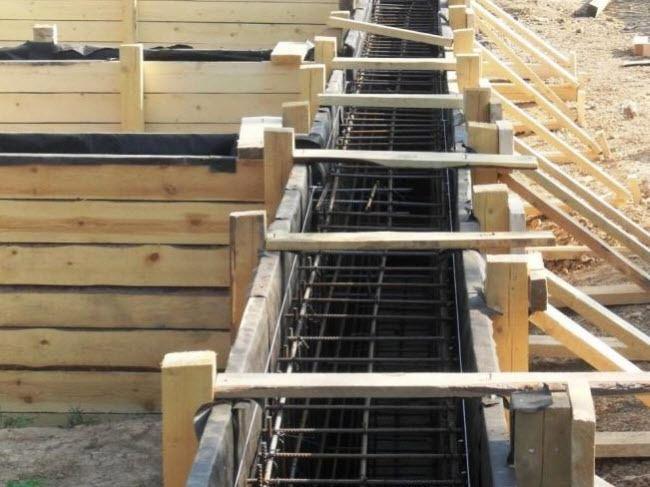 Пример деревянной опалубки для монолитного строительства