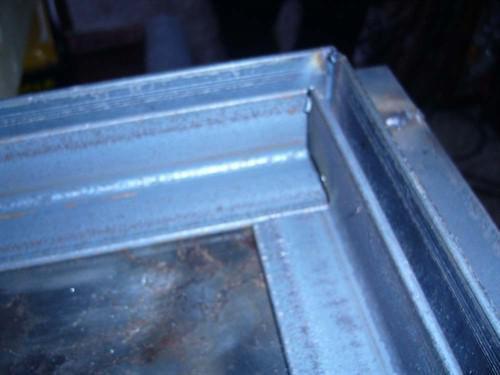 сварная стальная дверь из уголков